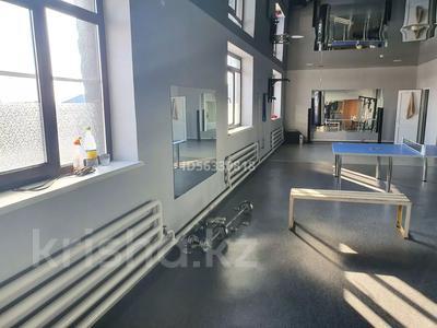 Здание, площадью 1400 м², Тайманова 44 — Жетес Би за 460 млн 〒 в Актобе — фото 12