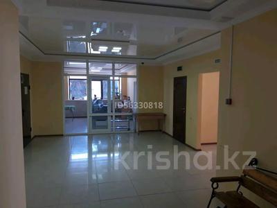 Здание, площадью 1400 м², Тайманова 44 — Жетес Би за 460 млн 〒 в Актобе — фото 3