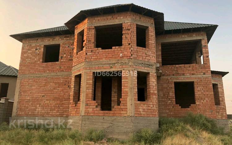 7-комнатный дом, 300 м², 8 сот., мкр Северо-Запад за 33 млн 〒 в Шымкенте, Абайский р-н