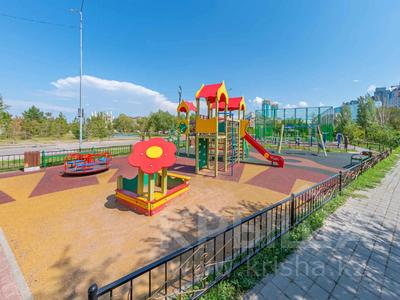 4-комнатная квартира, 105 м², 30/39 этаж, Кабанбай батыра 11 за 42 млн 〒 в Нур-Султане (Астана), Есиль р-н — фото 33