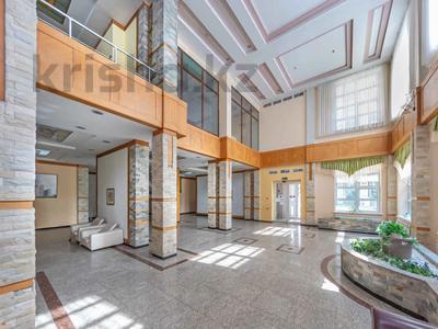 4-комнатная квартира, 105 м², 30/39 этаж, Кабанбай батыра 11 за 42 млн 〒 в Нур-Султане (Астана), Есиль р-н — фото 8