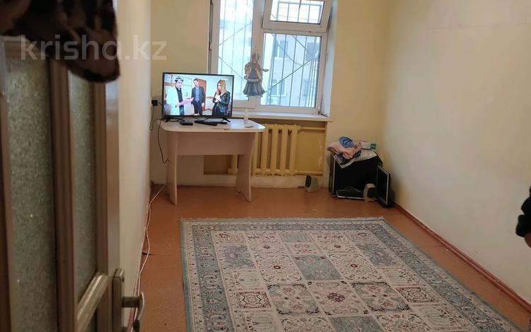 1-комнатная квартира, 28 м², 5/5 этаж, 8-й микрорайон 17 — 8мкр-Уркумбаева за 8.5 млн 〒 в Шымкенте