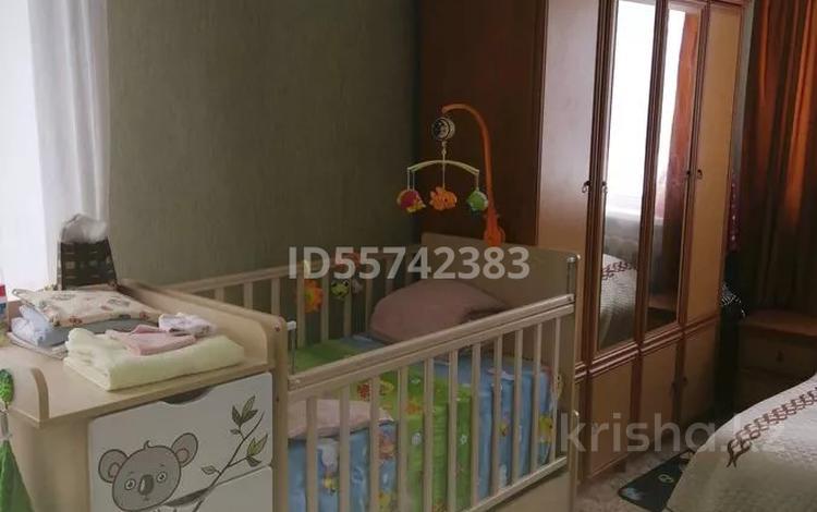 3-комнатная квартира, 63.9 м², 1/5 этаж, 1 Квартал 14 за 12 млн 〒 в Карагандинской обл.