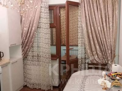 1-комнатная квартира, 50 м², 1/5 этаж посуточно, Мкр. Каратал 14д за 15 000 〒 в Талдыкоргане — фото 2