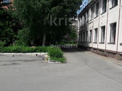 Здание, площадью 1000 м², Орджоникидзе 47 за 495 млн 〒 в Усть-Каменогорске — фото 11