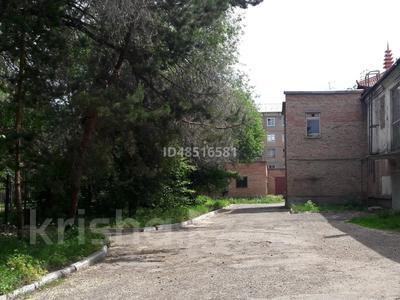 Здание, площадью 1000 м², Орджоникидзе 47 за 495 млн 〒 в Усть-Каменогорске — фото 15