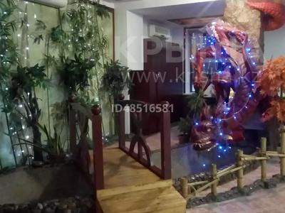 Здание, площадью 1000 м², Орджоникидзе 47 за 495 млн 〒 в Усть-Каменогорске — фото 4