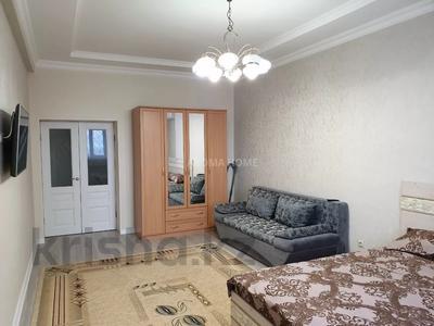 1-комнатная квартира, 55 м², 12/14 этаж посуточно, 17-й мкр 11 за 10 000 〒 в Актау, 17-й мкр — фото 2