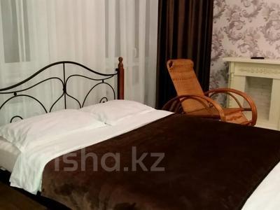 1-комнатная квартира, 39 м² по часам, Нажимеденова 10 — Тауелсиздык за 2 000 〒 в Нур-Султане (Астана)