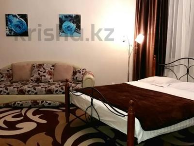 1-комнатная квартира, 39 м² по часам, Нажимеденова 10 — Тауелсиздык за 2 000 〒 в Нур-Султане (Астана) — фото 2