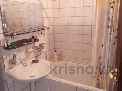 2-комнатная квартира, 42 м², 2/4 этаж, Джандосова за 18.9 млн 〒 в Алматы, Ауэзовский р-н — фото 3