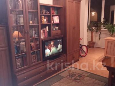 2-комнатная квартира, 42 м², 2/4 этаж, Джандосова за 18.9 млн 〒 в Алматы, Ауэзовский р-н — фото 5