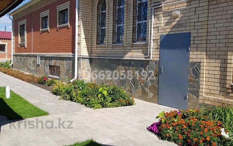 10-комнатный дом, 462 м², 13 сот., улица Дулатова 11 — Дощанова за 120 млн 〒 в Костанае