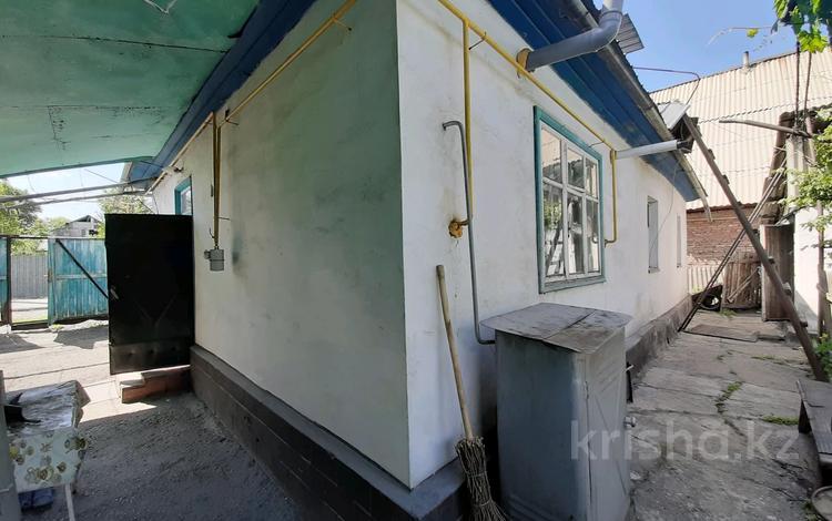5-комнатный дом, 69.3 м², 6 сот., Мадиниет 98 за 7 млн 〒 в Талдыкоргане