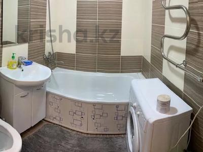 1-комнатная квартира, 30 м², 1/5 этаж посуточно, Пичугина — Нуркена Абдирова за 6 000 〒 в Караганде, Казыбек би р-н — фото 3