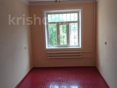 4-комнатная квартира, 75 м², 1/5 этаж, Мкр.Самал 14а за 12.3 млн 〒 в Туркестане — фото 10