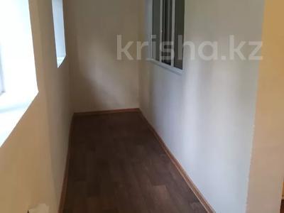4-комнатная квартира, 75 м², 1/5 этаж, Мкр.Самал 14а за 12.3 млн 〒 в Туркестане — фото 16