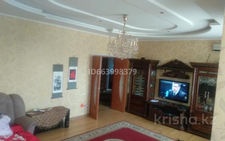 2-комнатная квартира, 84 м², 2/5 этаж, Г. Жубанова за 18 млн 〒 в Актобе