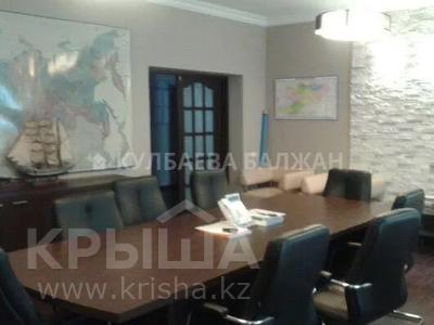 8-комнатный дом помесячно, 300 м², 10 сот., Аль-Фараби — Достык за 800 000 〒 в Алматы, Медеуский р-н — фото 4