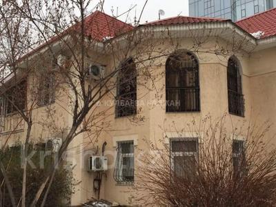 8-комнатный дом помесячно, 300 м², 10 сот., Аль-Фараби — Достык за 800 000 〒 в Алматы, Медеуский р-н — фото 12