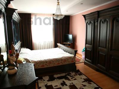 4-комнатный дом, 250 м², улица Торайгырова — Трусова за 48 млн 〒 в Семее — фото 11