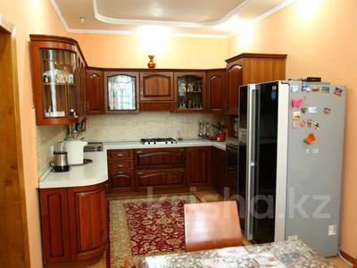 4-комнатный дом, 250 м², улица Торайгырова — Трусова за 48 млн 〒 в Семее — фото 14