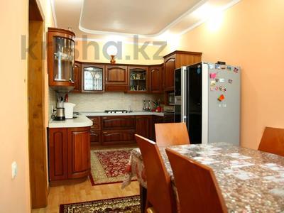 4-комнатный дом, 250 м², улица Торайгырова — Трусова за 48 млн 〒 в Семее — фото 19