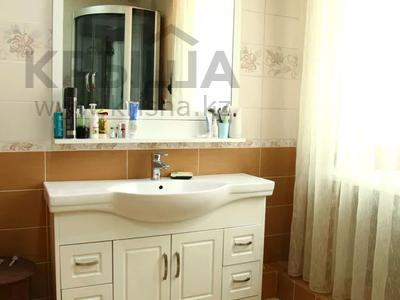 4-комнатный дом, 250 м², улица Торайгырова — Трусова за 48 млн 〒 в Семее — фото 20