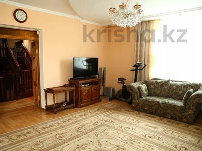 4-комнатный дом, 250 м², улица Торайгырова — Трусова за 48 млн 〒 в Семее — фото 24
