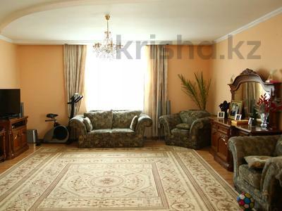 4-комнатный дом, 250 м², улица Торайгырова — Трусова за 48 млн 〒 в Семее — фото 27
