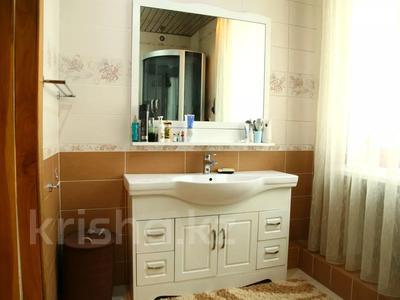 4-комнатный дом, 250 м², улица Торайгырова — Трусова за 48 млн 〒 в Семее — фото 28