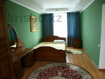 4-комнатный дом, 250 м², улица Торайгырова — Трусова за 48 млн 〒 в Семее — фото 9