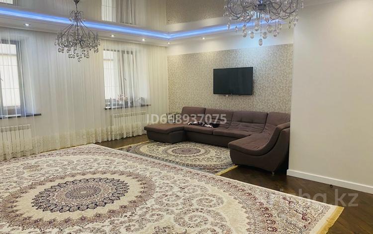 3-комнатная квартира, 124 м², 5/7 этаж, Назарбаева 233/1 за 55 млн 〒 в Уральске