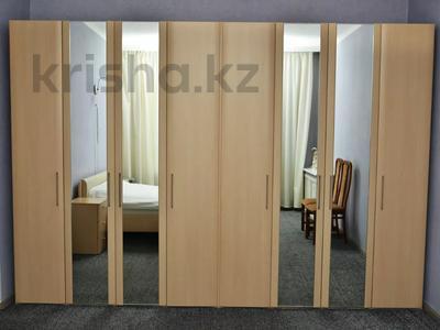 2-комнатная квартира, 65 м², 3/4 этаж посуточно, Бухар жырау 38 — Алиханова за 16 995 〒 в Караганде, Казыбек би р-н — фото 6