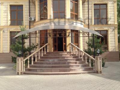 Здание, мкр Алмагуль, Жарокова — Ходжанова площадью 969 м² за 2.2 млн 〒 в Алматы, Бостандыкский р-н — фото 2