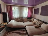 4-комнатный дом, 145 м², 12 сот., Волжский переулок за 19.5 млн 〒 в Караганде, Казыбек би р-н