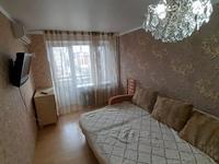 1-комнатная квартира, 45 м², 3/5 этаж посуточно, Азаттык 46а 49 за 7 000 〒 в Атырау