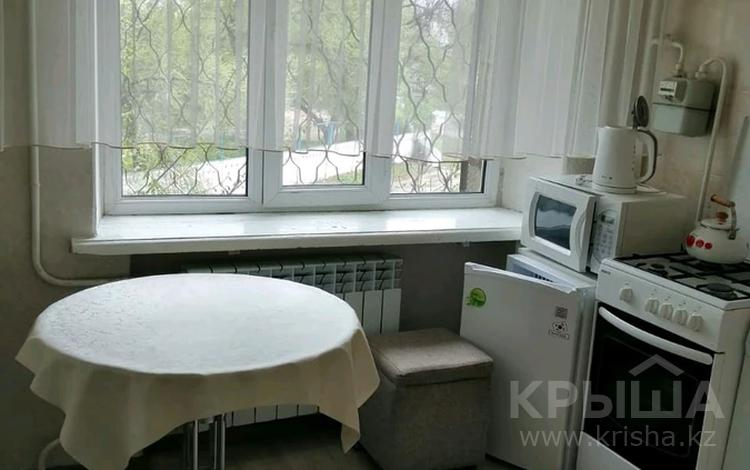 1-комнатная квартира, 30 м², 2/5 этаж, Казыбек Би — Абая за 10 млн 〒 в Таразе