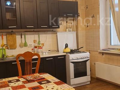 1-комнатная квартира, 42 м², 3/9 этаж помесячно, Райымбека 241 за 100 000 〒 в Алматы, Жетысуский р-н — фото 2