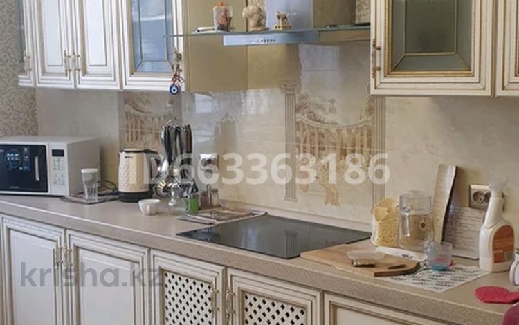 3-комнатная квартира, 90 м², 4/12 этаж, Сарыарка 11 — Кенесары за 40 млн 〒 в Нур-Султане (Астана), Сарыарка р-н