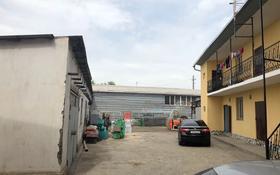 Продается пустой цех и 12 квартир, отдельный трансформатор. за 100 млн 〒 в Шымкенте, Абайский р-н