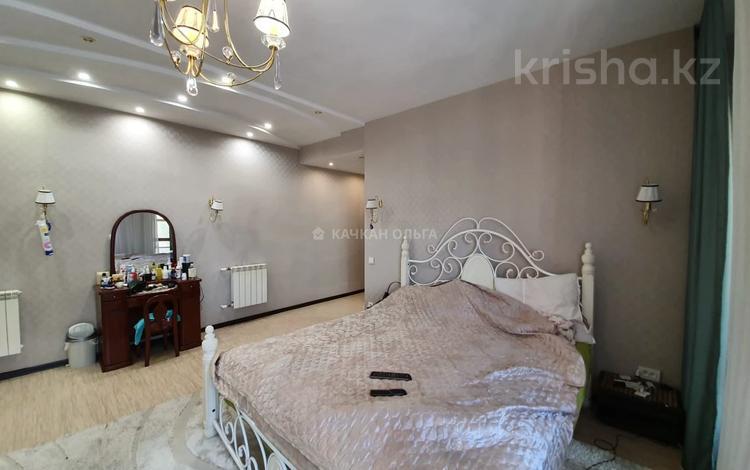 5-комнатный дом, 234 м², 10 сот., Жамбула 168 за 65 млн 〒 в Караганде, Казыбек би р-н