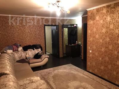 2-комнатная квартира, 54 м², 1/5 этаж, Микрорайон 22 15 за 8.8 млн 〒 в Караганде, Октябрьский р-н — фото 3