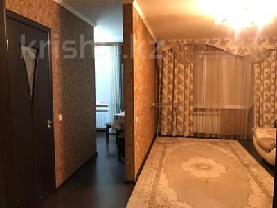 2-комнатная квартира, 54 м², 1/5 этаж, Микрорайон 22 15 за 8.8 млн 〒 в Караганде, Октябрьский р-н — фото 7