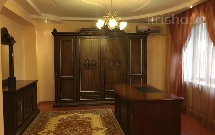 12-комнатный дом помесячно, 450 м², 7 сот., Бегалина 156 за 1.8 млн 〒 в Алматы, Медеуский р-н