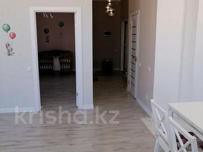 2-комнатная квартира, 60 м², 7/9 этаж, Мухамедханова ЖК Кристалл 2 за 24.5 млн 〒 в Нур-Султане (Астана), Есиль р-н — фото 10