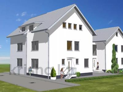 9-комнатный дом, 347 м², Karlsruhe — Durlach за ~ 276.3 млн 〒