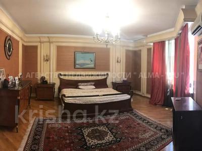 6-комнатная квартира, 370 м², 1/3 этаж, Самал 3 — Мендекулова за 240 млн 〒 в Алматы, Медеуский р-н — фото 8