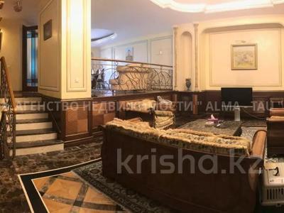 6-комнатная квартира, 370 м², 1/3 этаж, Самал 3 — Мендекулова за 240 млн 〒 в Алматы, Медеуский р-н — фото 11