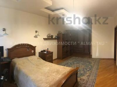 6-комнатная квартира, 370 м², 1/3 этаж, Самал 3 — Мендекулова за 240 млн 〒 в Алматы, Медеуский р-н — фото 14